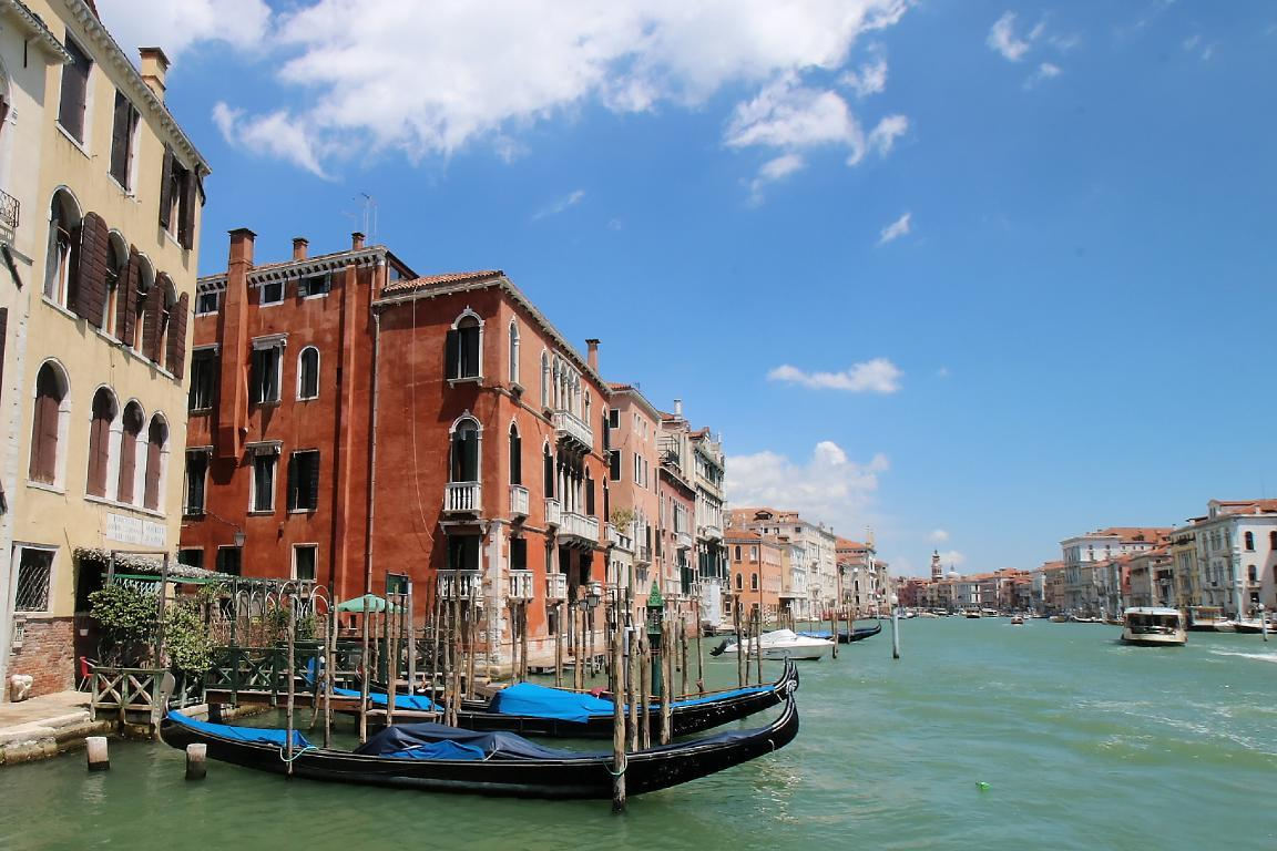 buy-house-in-venice